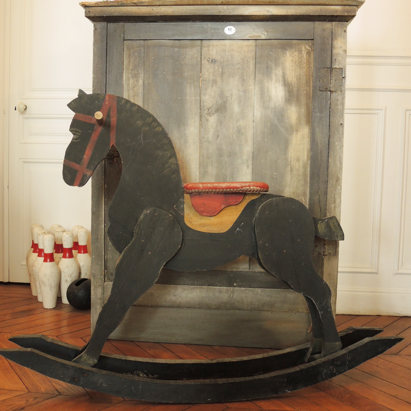 graines de broc jouets d co et mobilier vintage cheval bascule en bois. Black Bedroom Furniture Sets. Home Design Ideas